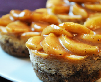 Mini Apple Cinnamon Cheesecakes