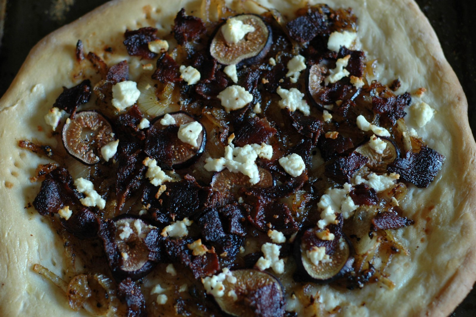 Fig Pizza with Caramelized Onions and Goat Cheese and a 3/1 Challange