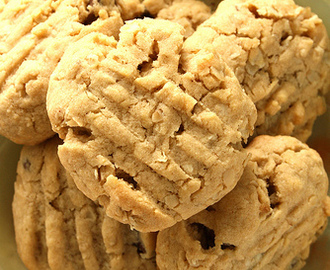 Looneyspoon peanut-butter, oatmeal and chocolate-chip cookies