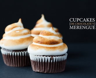 Cupcakes de chocolate con merengue suizo