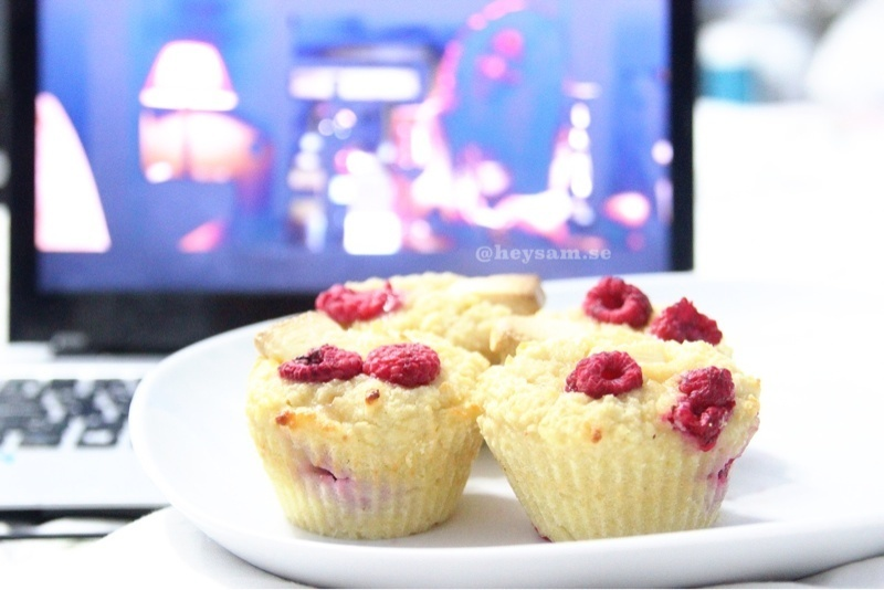Vanilla muffins with raspberry white chocolate filling