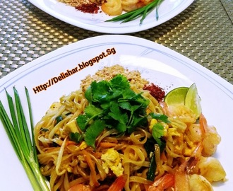 Shrimp Pad Thai (Thai Rice Noodle)
