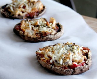 Roasted Red Pepper Chicken Mini Pizzas