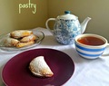 Pear & vanilla pies with sweet almond pastry