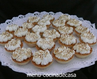 MINI  TARTALETAS  DE  LEMON  CURD  Y  MERENGUE