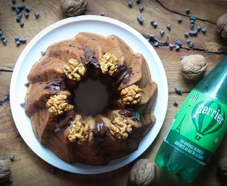 Bundt cake de plátano con chocolate y nueces