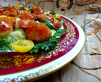 Prawn salad with mango chutney dressing