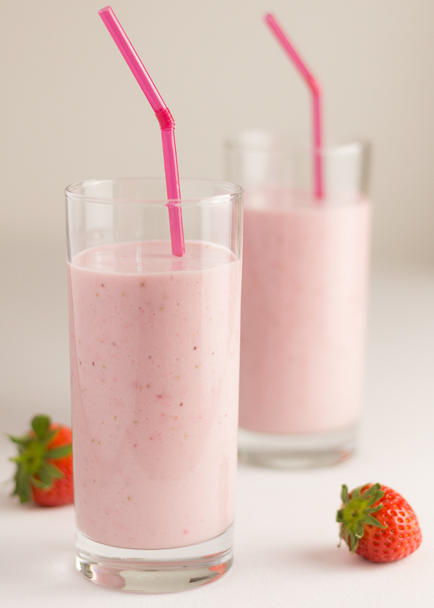 Healthy Strawberries and Cream Smoothie
