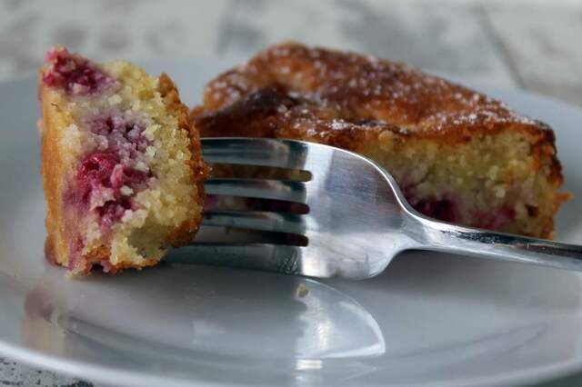 Gluten free raspberry, lemon and almond cake recipe