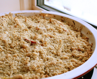 Apple & Persimmon Crisp
