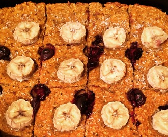 Healthy Carrot Banana Blueberry ontbijtcake