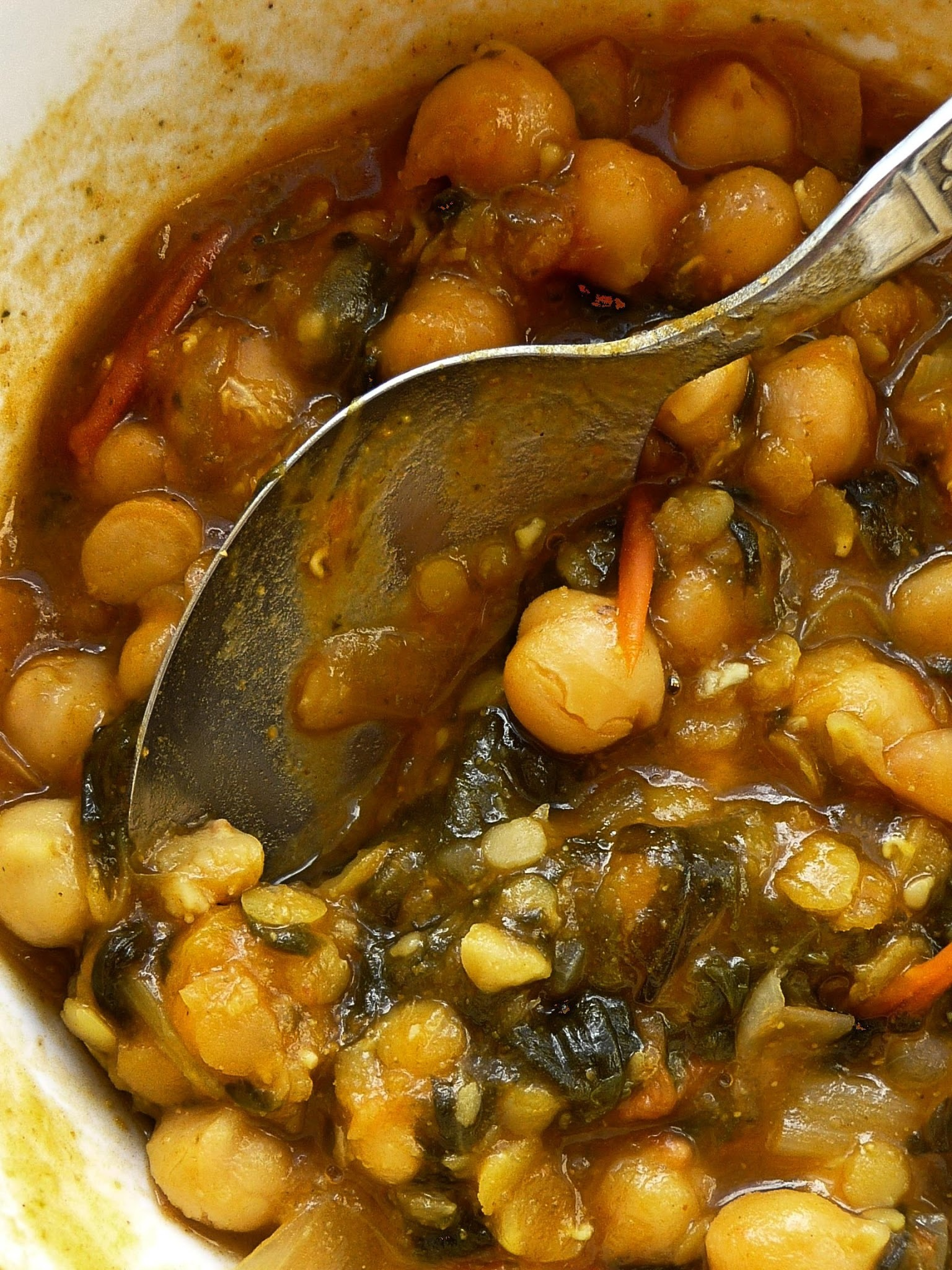 Chickpea and lentil and spinach cheats curry