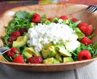 Meatless Monday: Raspberry Rocket Salad with Cottage Cheese & Avocado