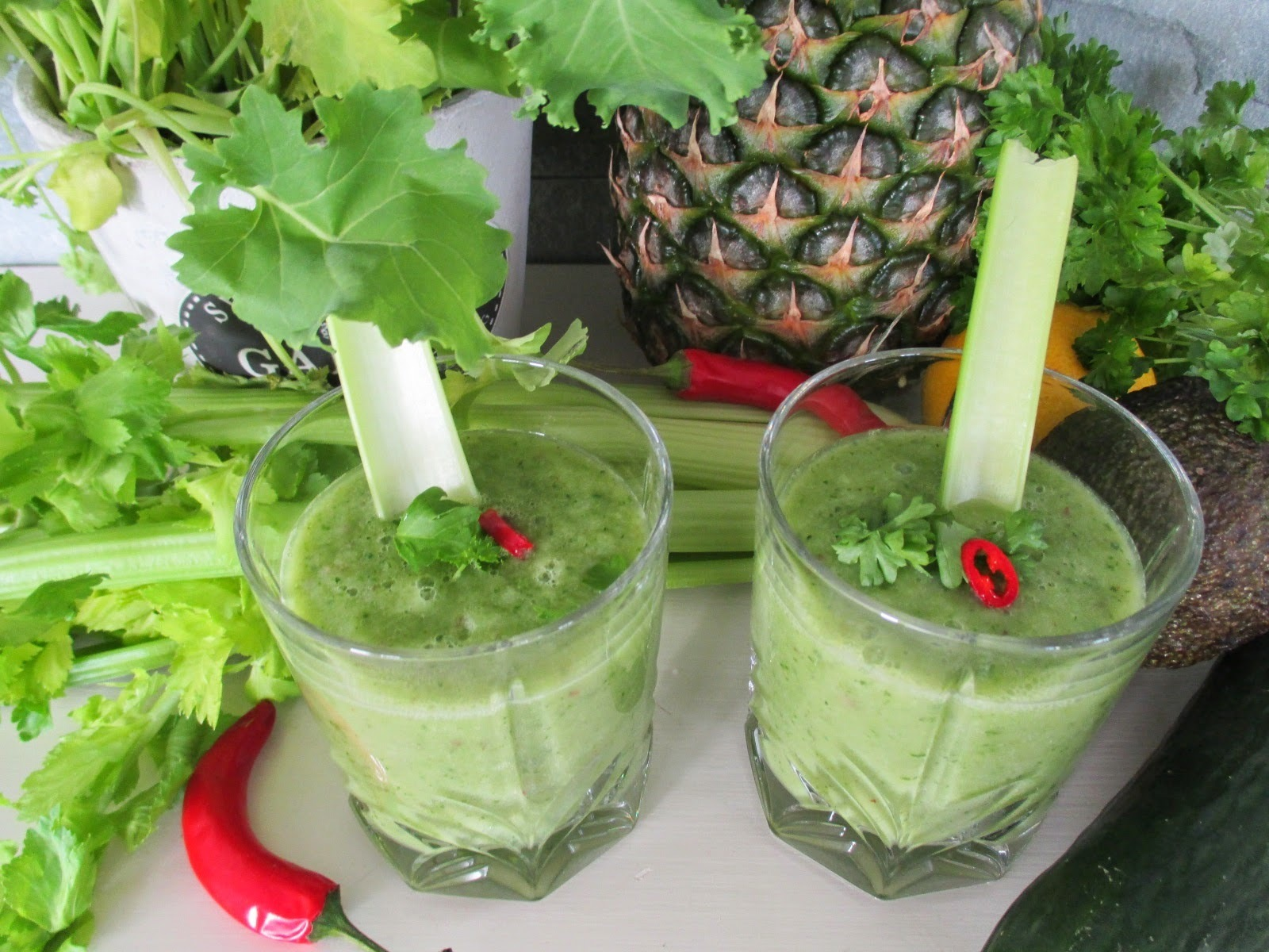 Nesteenpoisto smoothie