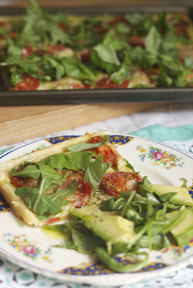 Easy tomato, pesto and mozzarella tart