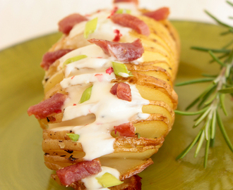 Hasselback Potatoes, Bacon & Greek Yogurt Dip