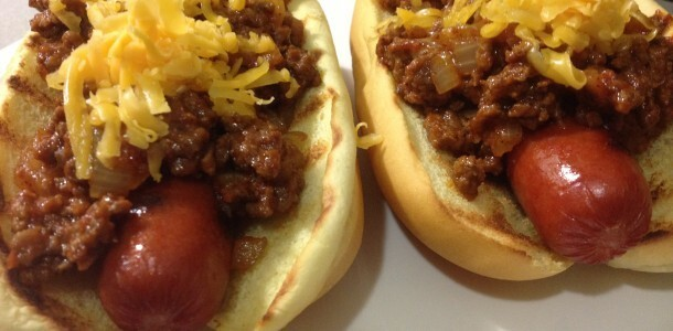 Top 10 Slow Cooker Recipes-Chili Topping for Hot Dogs