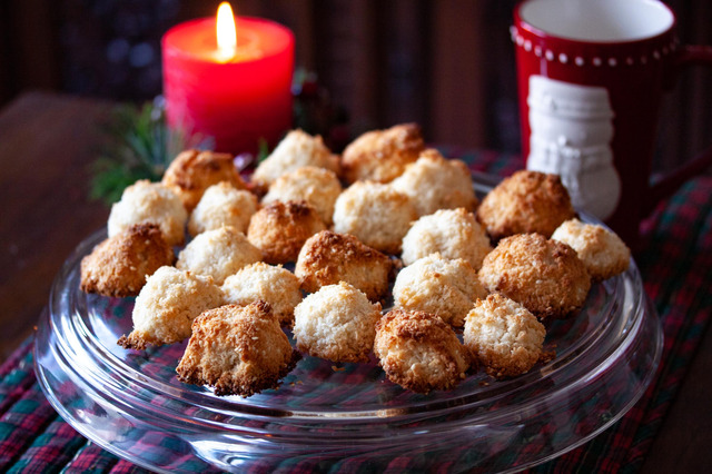 Coconut and Sesame Seed Macaroons
