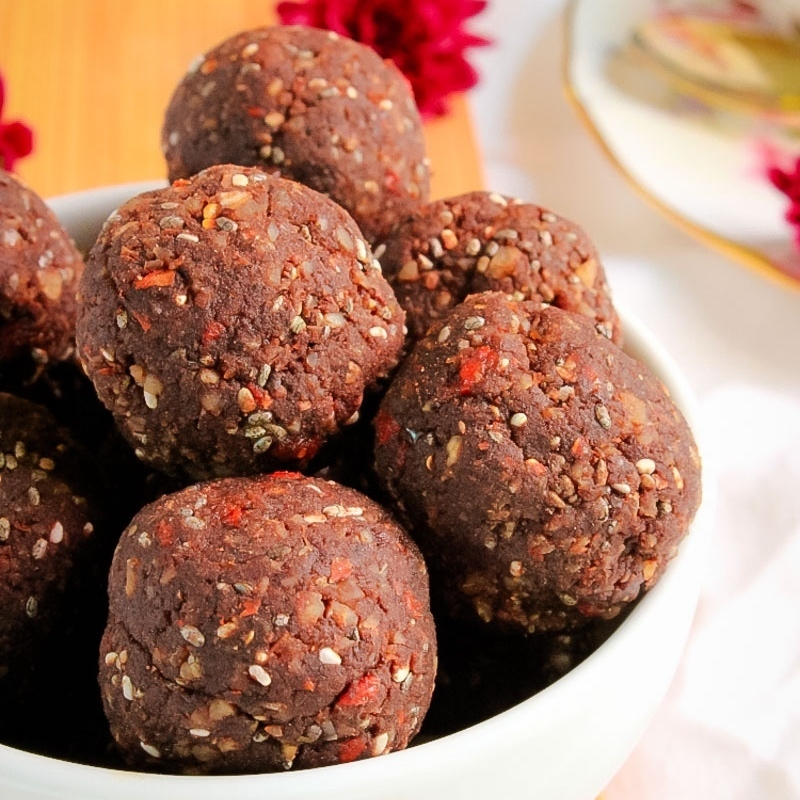 Healthy Thermomix Goji Berry Protein Balls