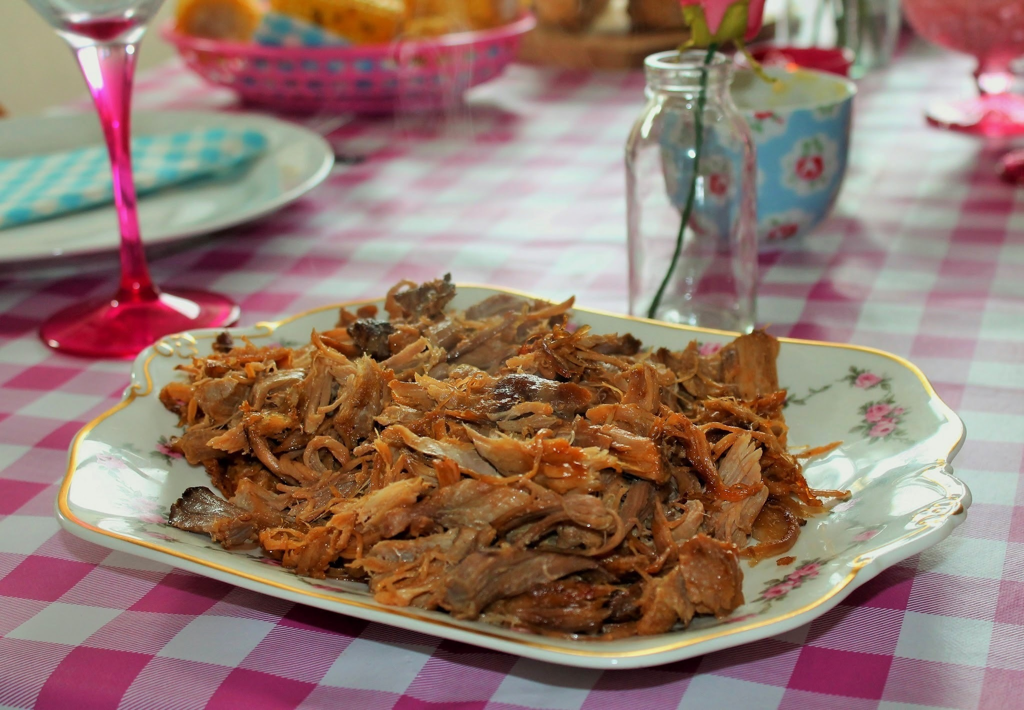 Weekend Feasting ... Slow Cooked Pulled Pork Recipe