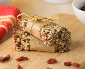 No-Bake Protein Goji Berry Granola Bars