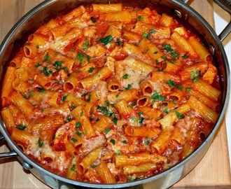 One Pot 3 Cheese & Chicken Pasta Bake