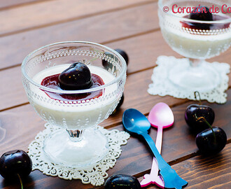 Panna Cotta con Coulis de Cerezas