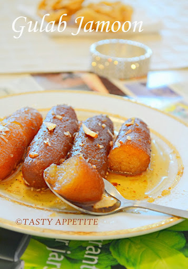 Happy Diwali / How to make Gulab Jamun / Step-by-Step Recipe / Easy Diwali Sweets: