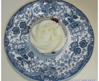 CUPCAKE RED VELVET CON GANACHE CHOCOLATE BLANCO
