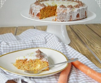 Rüblikuchen mit Zwieback {Carrot Cake with Crackers}