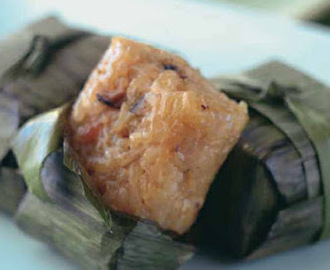 Steamed Rice Cakes with Bacon and Caramelized Onions Suman nga Baboy