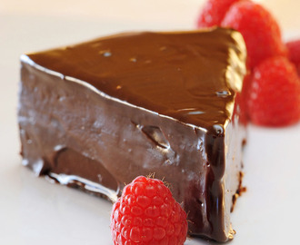 Flourless Chocolate Cake with Easy Ganache