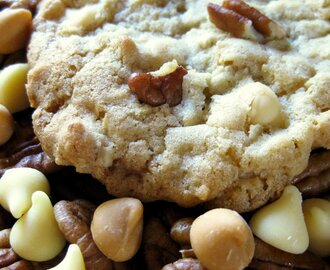 white chocolate butterscotch toasted pecan cookies