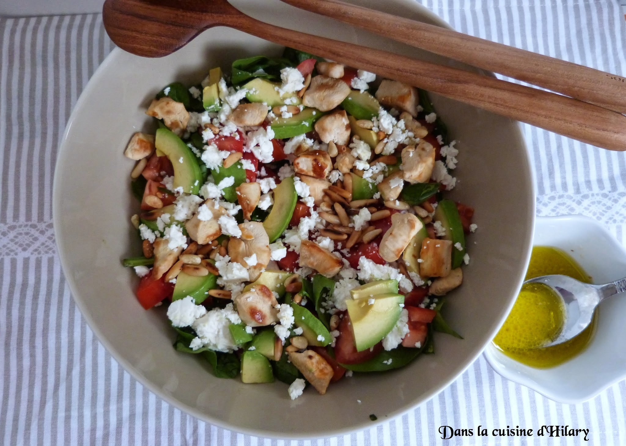 Ma power salade aux épinards, poulet, avocat et feta / My spinach, chicken, avocado and Feta cheese power salad