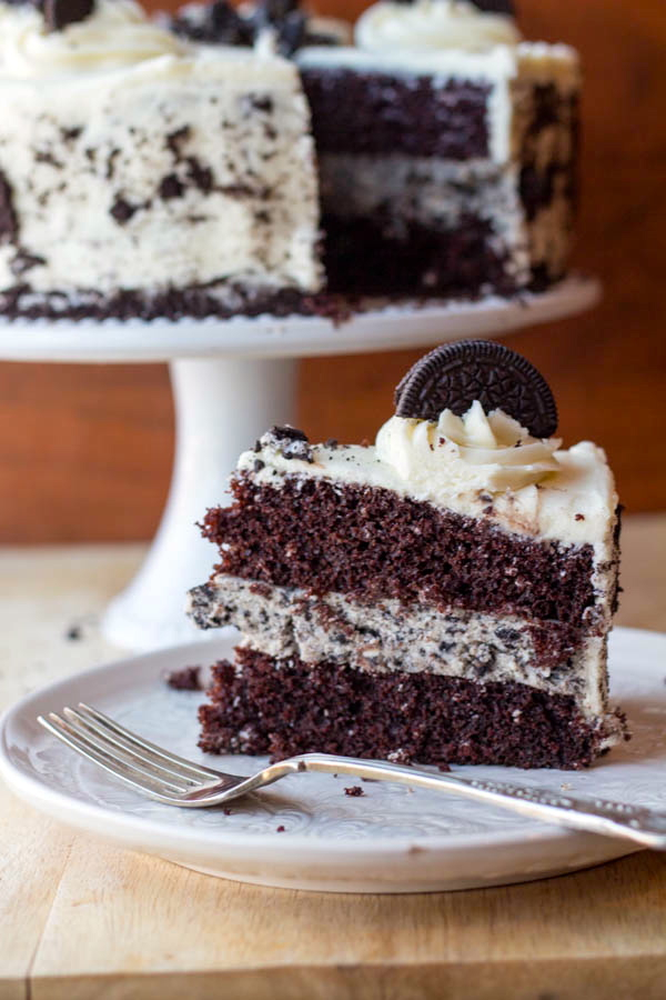 Cookies and Cream Cheesecake Cake