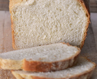 Plain and Simple White Bread (Delia Smith)