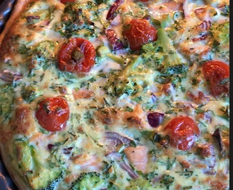 Quiche met broccoli, zalm en cherry tomaten