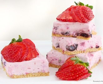 Berry cheesecake bars (skinny and no bake) and a KitchenAid Giveaway