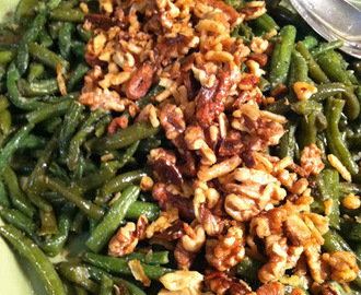 Sautéed Green Beans with Garlic and Walnuts - the perfect side dish for your Christmas table!