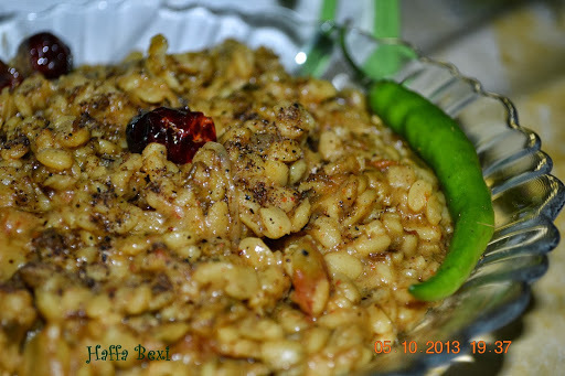 Spicy White Lentil (Daal Maash)