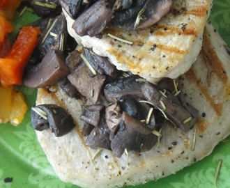 Stek z polędwicy w sosie winno - grzybowym/ Tenderloin steak with wine-mushrooms sauce