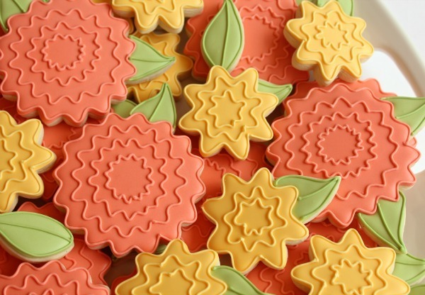 Flower Cookies With Leaves