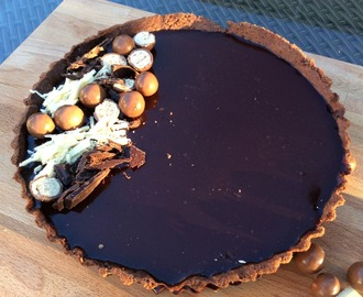 Very Chocolatey Tart and #GBBOBloggers2015 Linky