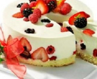 Mousse Light de Cream Cheese com Frutas Vermelhas