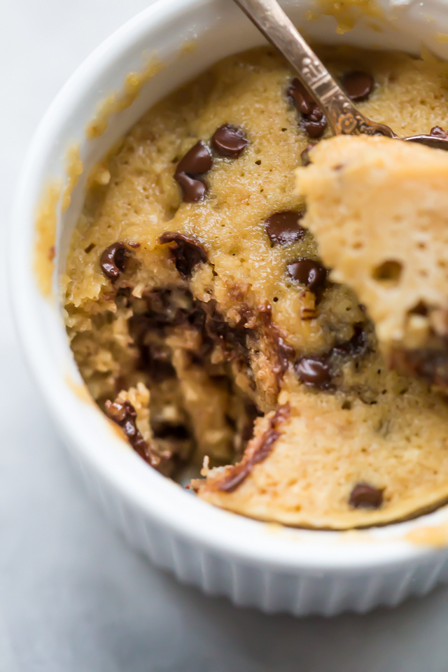 Paleo Microwave Cookie with Chocolate Chips (Paleo Microwave Dessert)