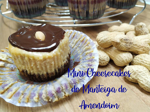 Mini Cheesecakes de Manteiga de Amendoim