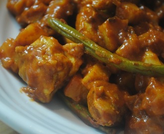 Chicken, potato and green bean curry recipe