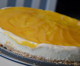 Fryst cheesecake med curdtopping