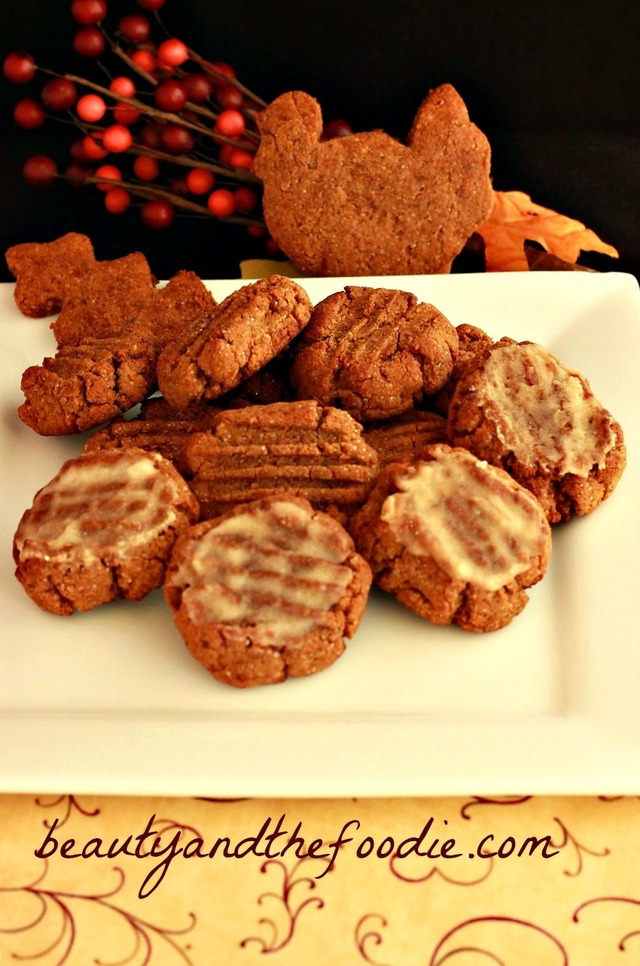 Paleo Iced Gingerbread Cookies