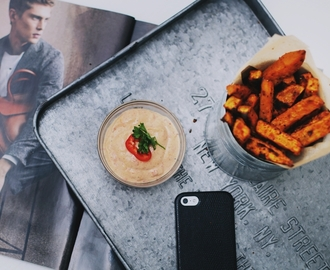 RECIPE: SWEET POTATO FRIES & PEPPER DIP SAUCE